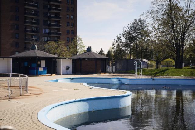 Timbercreek pool in Herongate